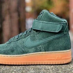 online store 19d30 25d73 Nike Shoes - NWT Nike Air Force 1 HI SE Vintage Green WMNS